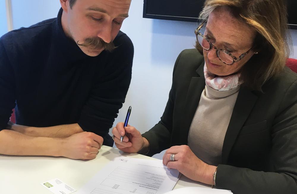 Stiftelsen MusikBojen, grundad av Claire Rosvall och Max Martin, mottar över två miljoner kronor från Postkodstiftelsen